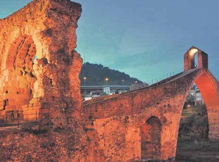 Imatge de l'arc triomfal del segle II.