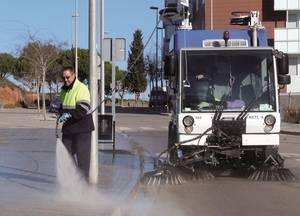 L'Ajuntament de Sant Boi reforça el servei de neteja