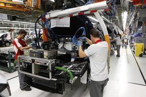 SEAT contrata a 150 trabajadores más y llega a las 800 nuevas incorporaciones en 2014