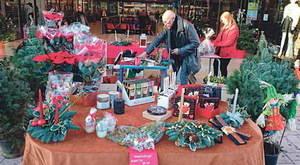 El comercio local lucha por arrebatar una parte de las ventas navideñas a las grandes superficies