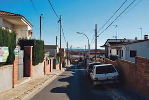 Alba-rosa se moviliza en Viladecans contra la instalación de una antena de telefonía móvil