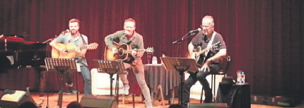 L'Hospitalet fusiona música y poesía en el 'Festival Acròbates'