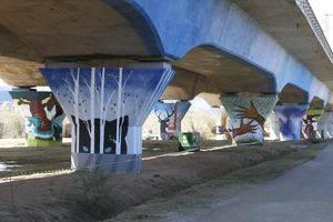 Sant Joan Despí crea un mural artístic al viaducte de l'AVE