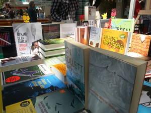 Òmnium obre la votació del 5è concurs web 'La Llança de Sant Jordi' per promoure el llibre en català