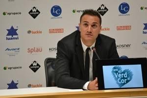 L'entrenador de la UE Cornellà, Jordi Roger, guardonat per la Federació Catalana de Futbol