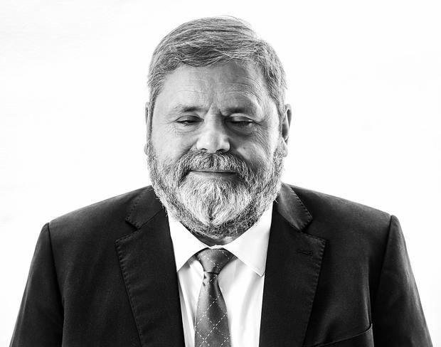 Miguel Durán publica sus memorias: 'Lo que hay que ver, memorias de un ciego que se impuso a todas las adversidades'