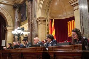 El Parlament muestra su apoyo a los trabajadores de Nissan y pide a la empresa que se quede en Cataluña
