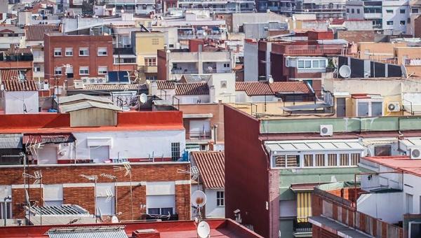 El Ayuntamiento del Prat destina este año 32.000 euros a las ayudas para pagar el IBI