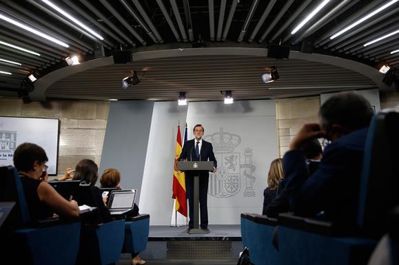Rajoy requiere a Puigdemont si ha declarado o no la independencia