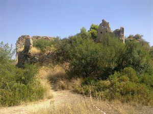 Los restos del castillo amenazan con derrumbarse.