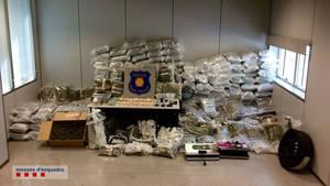 Mossos de Sant Boi desmantella un centre de distribució de droga a gran escala
