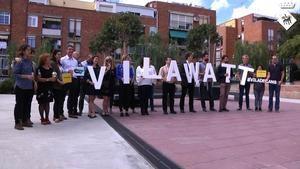 Visita europea para conocer el Vilawatt en la Plaza de la Constitución de Viladecans.