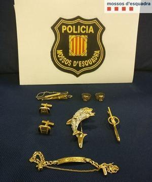 Detienen a una trabajadora doméstica de Martorell por presuntamente robar joyas por valor de 20.000 euros