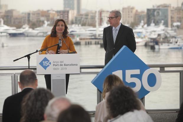 Mercè Conesa, presidenta del Port de Barcelona, junto con José Alberto Carbonell, director general.