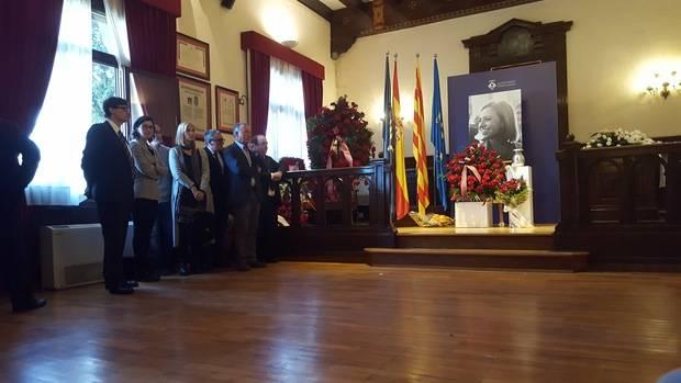 Adiós masivo a Carme Chacón en Esplugues