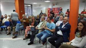 Socialistas del Baix crean 'in extremis' la plataforma de apoyo a Susana Díaz