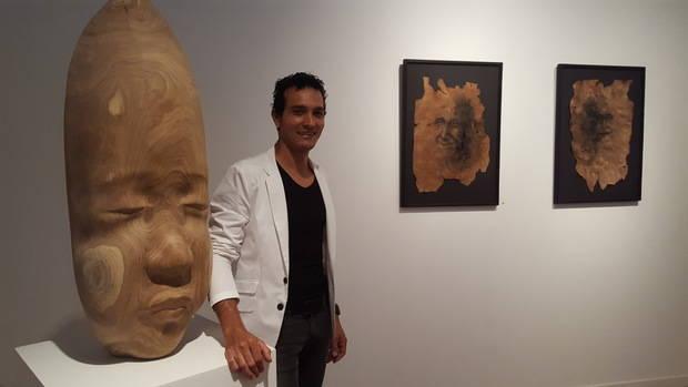 Dogny Abreu regresa a su infancia con una doble propuesta artística: la exposición escultórica 'Origen' y el libro 'Sobre mis pasos'
