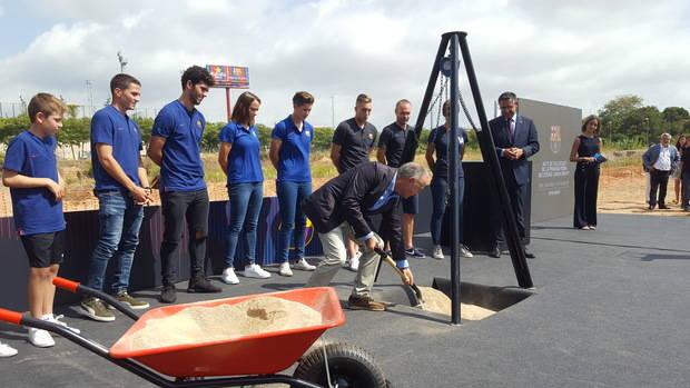 El Barça coloca la primera piedra del Estadi Johan Cruyff de Sant Joan Despí