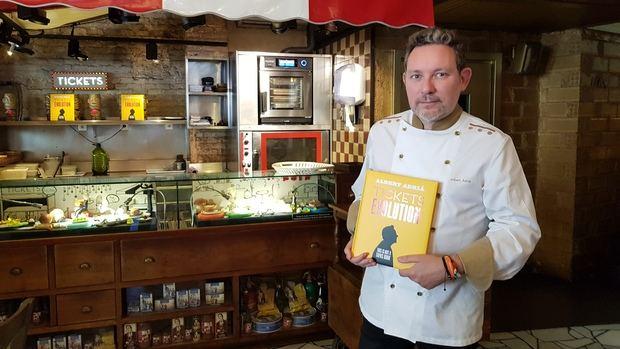 El chef hospitalense Albert Adrià plasma en un segundo libro la metamorfosis del 'Tickets'