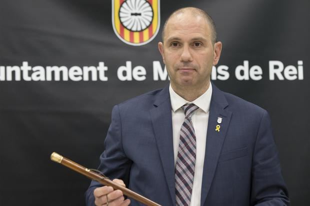 Ramon Sánchez con la vara de alcalde.