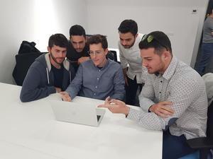 Algunos emprendedores que ya utilizan la nueva incubadora de Viladecans.