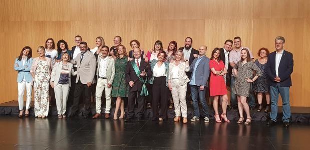 Los 25 concejales que conforman el pleno del Ayuntamiento de Viladecans para la legislatura 2019-2023.