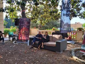 La presentación tuvo lugar en los jardines de Can Castells.