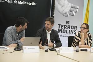 De izquierda a derecha: Roger Sàbat, coordinador del festival; Xavi Paz, alcalde, y Ainoa García, regidora de Cultura.