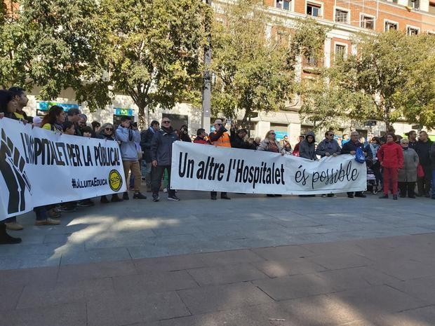 La cabecera de la marcha ha llegado al Ayuntamiento pasadas la una de la tarde.