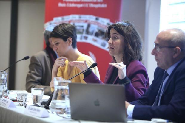 Bou, Conesa i Valero durant la conferència.