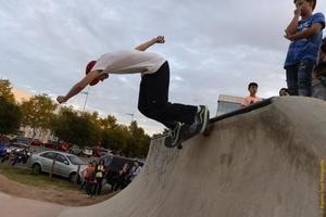 Los skaters gozan de buena salud en la comarca, donde casi cada uno de sus municipios cuentan con zonas habilitadas especialmente para que practiquen este deporte extremo.