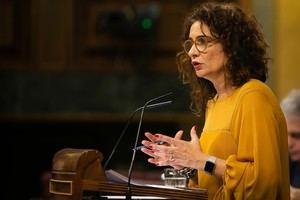 La ministra de Hacienda, María Jesús Montero, defendiendo los presupuestos socialistas ayer en el Congreso.