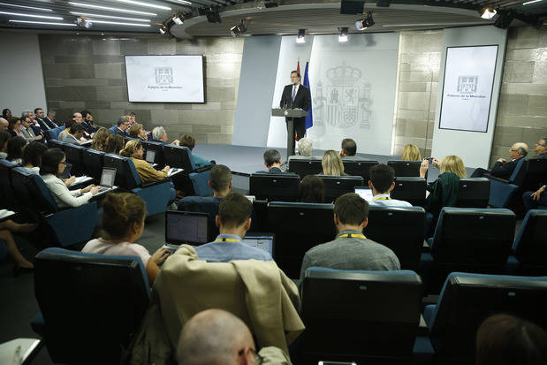 Rajoy cesa a Puigdemont y todo su Govern y convoca elecciones el 21 de diciembre