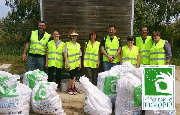 Una dotzena de municipis netejaran els espais naturals del Baix Llobregat en el marc del 'Let's clean up Europe'