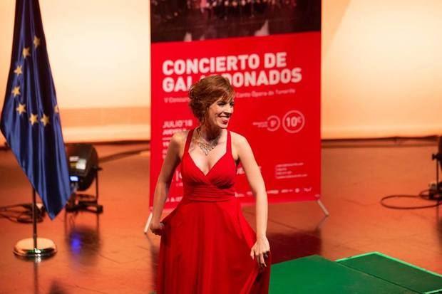 La soprano hospitalense Laura del Río triunfa en Tenerife