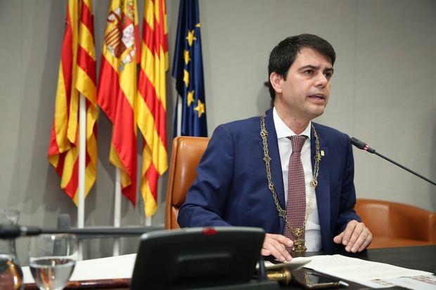 Castells toma el relevo de Conesa al frente de la Diputación