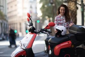 Y después de las bicis... llegan las motos compartidas a L'Hospitalet