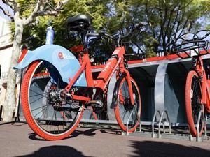 El AMB pone en marcha un nuevo servicio de bicicleta compartida en 11 ciudades de la comarca