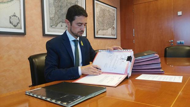 Los proyectos necesitaban la firma del conseller de Territorio para tirar adelante.