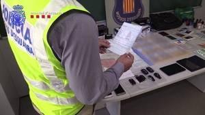 Detenidas cuatro personas de El Papiol, L'Hospitalet y Centelles por robo de vehículos de alta gama