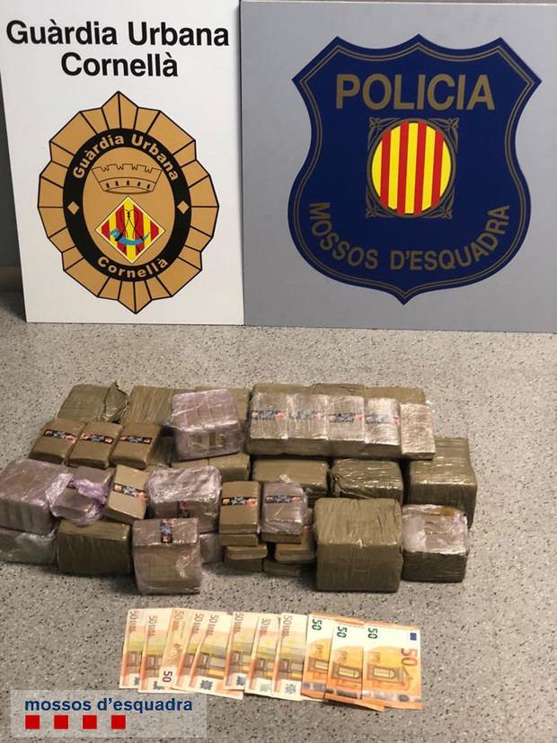 Detienen en Cornellà a un vecino de Viladecans con una roca de cocaína de gran pureza