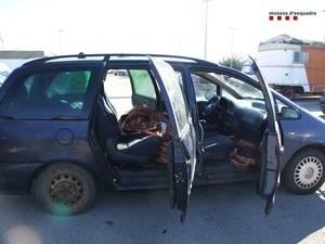 Mossos d'Esquadra de Sant Boi detenen a cinc persones per robar coure de la línia de l'AVE