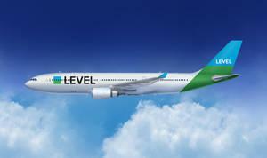 La nueva aerolínea 'low cost' de largo recorrido de IAG, Level, aterriza en El Prat