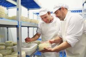 Caprabo inicia la comercialización de productos elaborados por la Fundación AMPANS