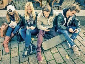 El fácil acceso a Internet expande con rapidez la ludopatía a los adolescentes en el Baix y L'Hospitalet