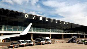 El número de pasajeros en el aeropuerto del Prat cae en julio un 84% respecto al año anterior