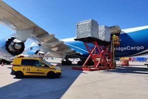 El aeropuerto de El Prat contabiliza 47 vuelos de rescate y 95 cargueros con material sanitario por el coronavirus