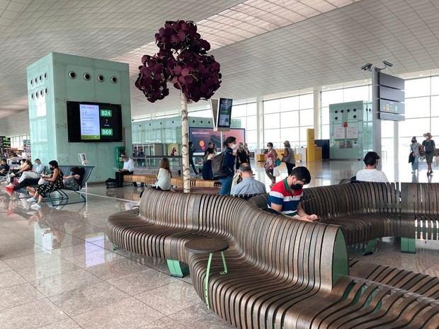 Aena inicia un proyecto piloto de mobiliario sostenible en el aeropuerto de Barcelona- El Prat