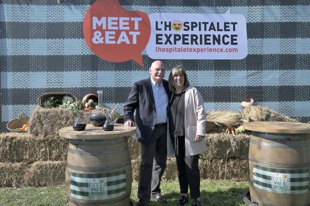 La alcaldesa de L'Hospitalet, Núria Marín, junto al CEO de GSMA Ltd., John Hoffman, en la presentación de L'H Experience.