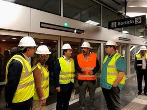 Visita a las obras con el secretario de Infraestructuras (en el centro) y los tenientes de alcalde Cristian Alcázar (derecha) y José Castro (izquierda).